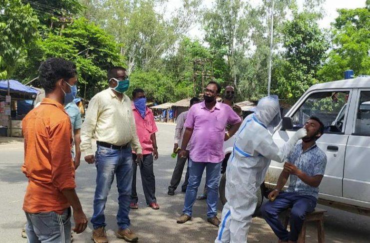 52 shopkeepers tested for coronavirus at Hata Chowk